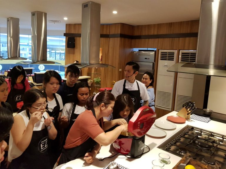SHARP Healsio Automatic Cookware Hadirkan Chef Juna di Hartono Store