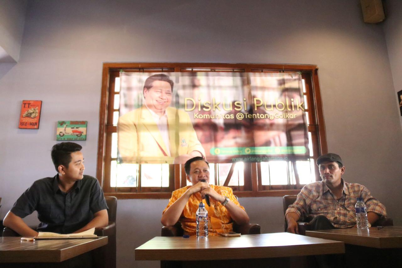 Jokowi Akan Lebih Nyaman Jika Pengganti Jusuf Kalla Sebagai Pendamping adalah Airlangga Hartarto