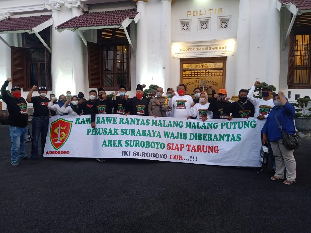 Jogoboyo Pasang Badan Bantu Polisi Jaga Dan Amankan Surabaya Dari Anarkisme Demonstran