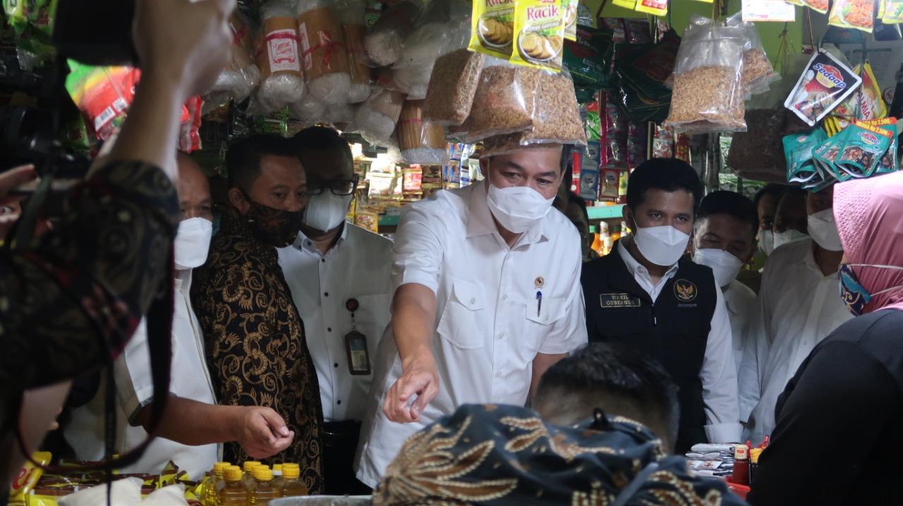 Menteri Perdagangan : Harga Bahan Pokok di Jawa Timur Terpantau Baik dan Wajar